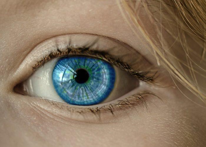 Lentilles ou lunettes : avantages et inconvénients de chacun