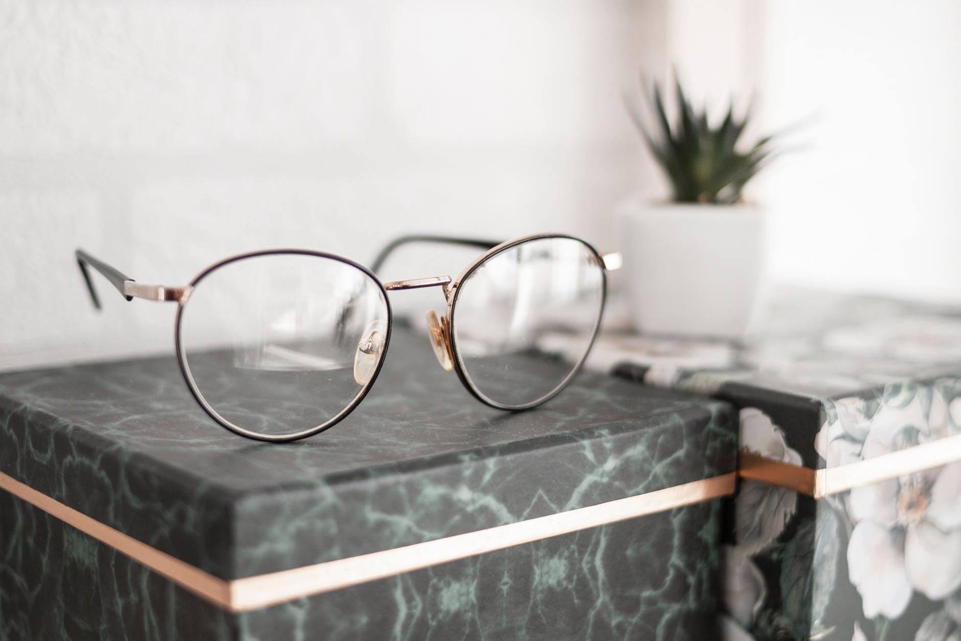 Conseils pour bien choisir ses lunettes sur internet